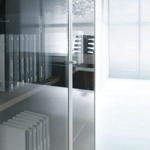 Skriňa so sklenenými AL dverami - nábytok MITO